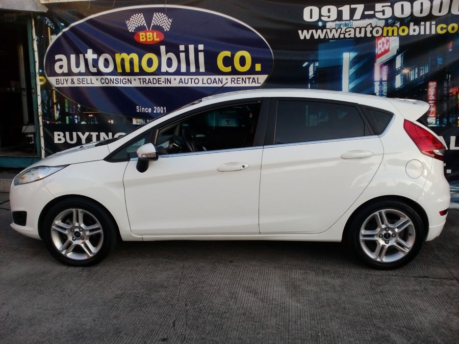 2013 Ford Fiesta - Left View