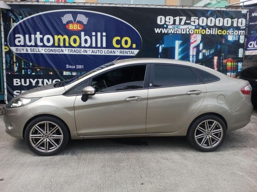 2012 Ford Fiesta - Left View