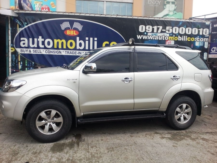 2007 Toyota Fortuner - Left View