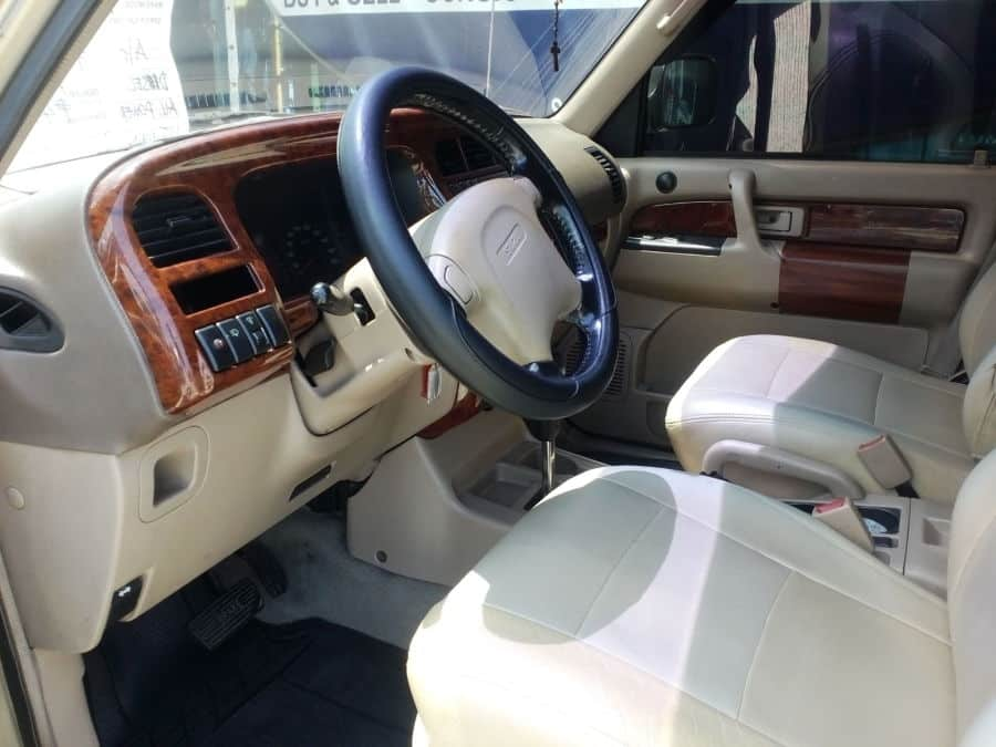 2002 Isuzu Trooper - Interior Front View