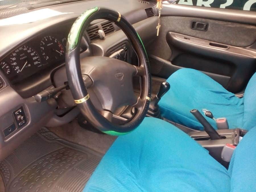 1998 Nissan Sentra - Interior Front View