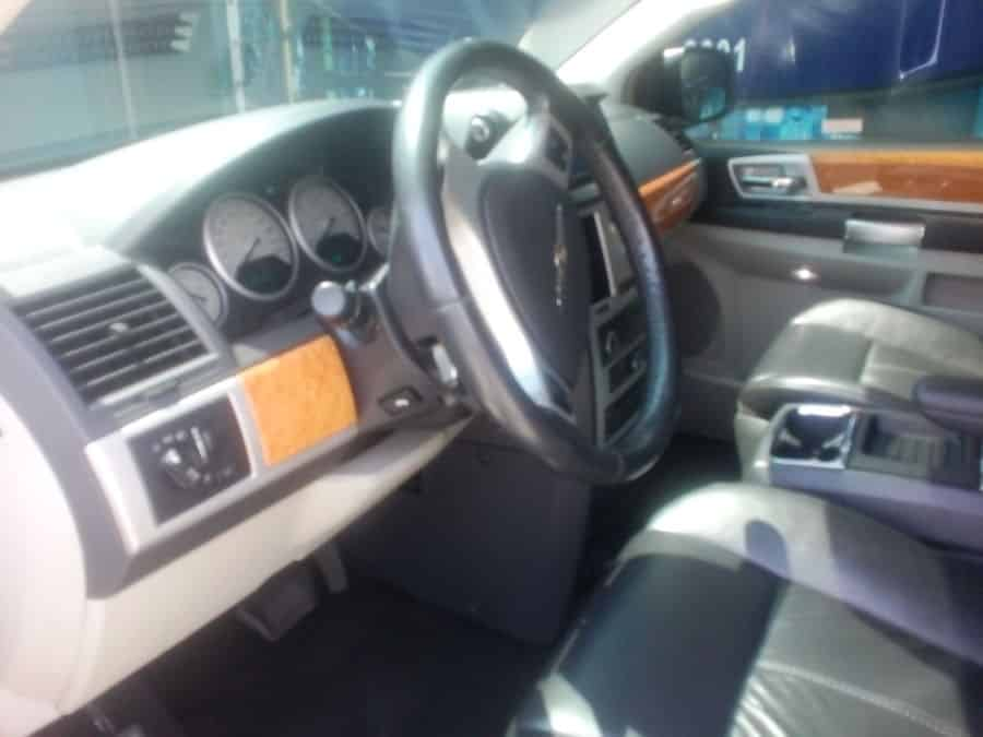 2009 Chrysler Town and Country - Interior Front View