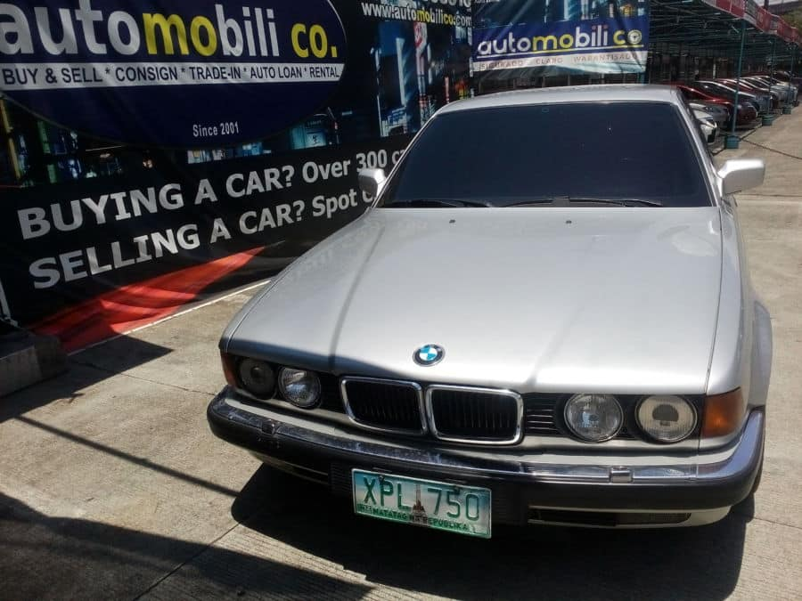 1992 BMW 750 - Front View
