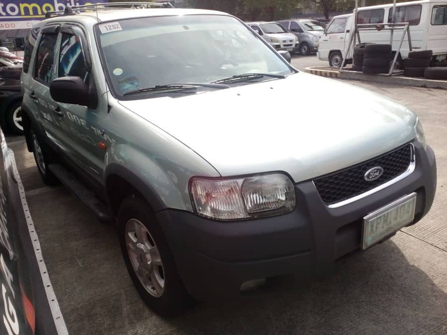2003 Ford Escape - Right View