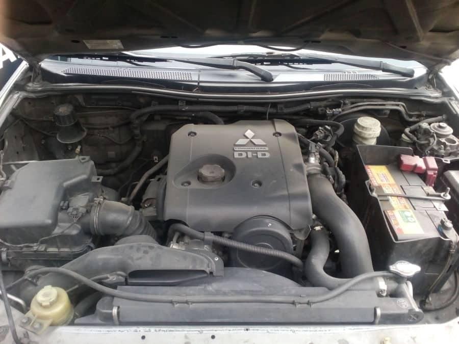 2009 Mitsubishi Strada - Interior Rear View