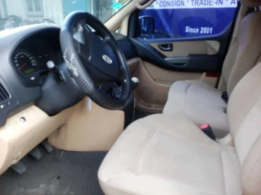 2008 Hyundai Grand Starex - Interior Front View
