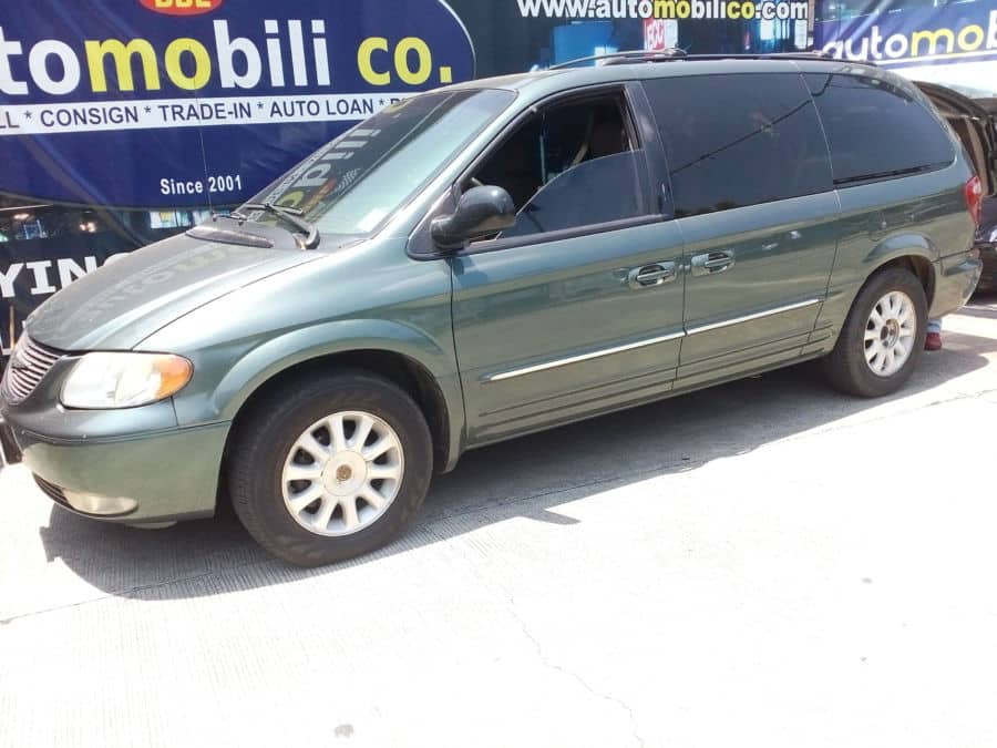 2003 Chrysler Town & Country - Left View