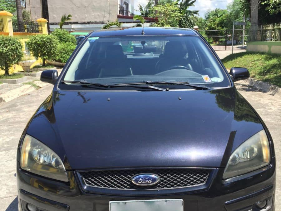 2005 Ford Focus - Front View