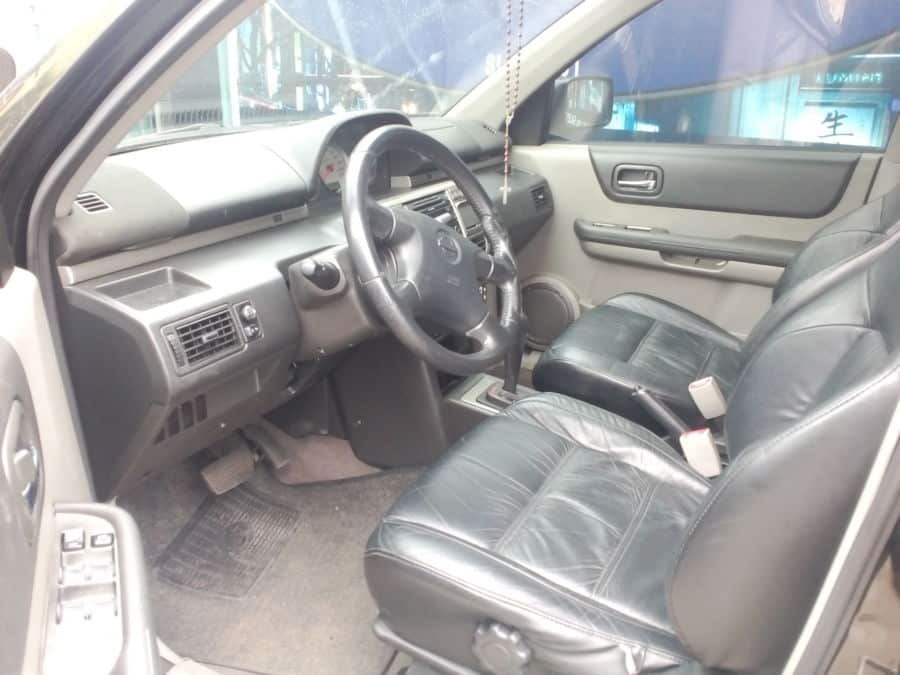 2006 Nissan X-Trail - Interior Front View