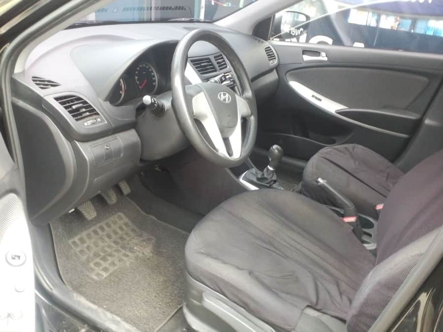 2012 Hyundai Accent - Interior Front View