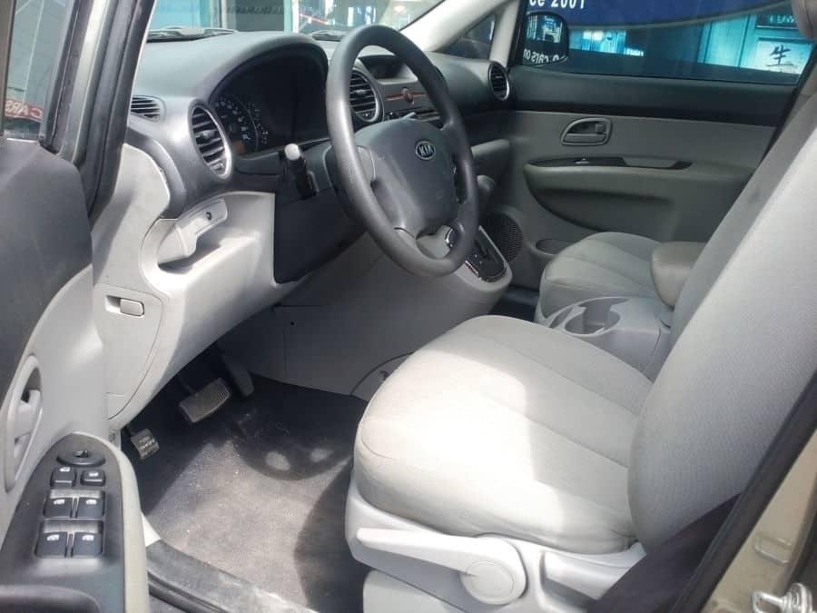 2011 Kia Carens - Interior Front View