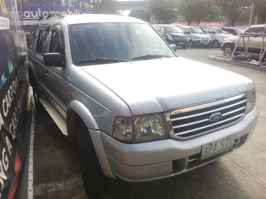2004 Ford Everest - Right View
