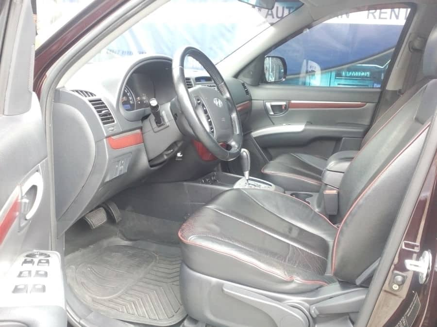 2010 Hyundai Santa Fe - Interior Front View