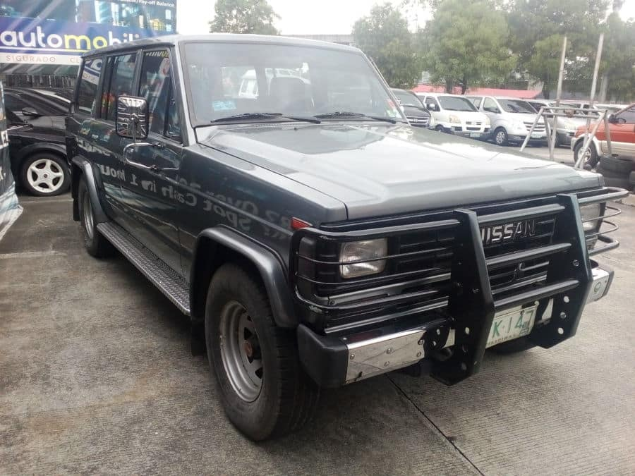 1991 Nissan Patrol - Right View