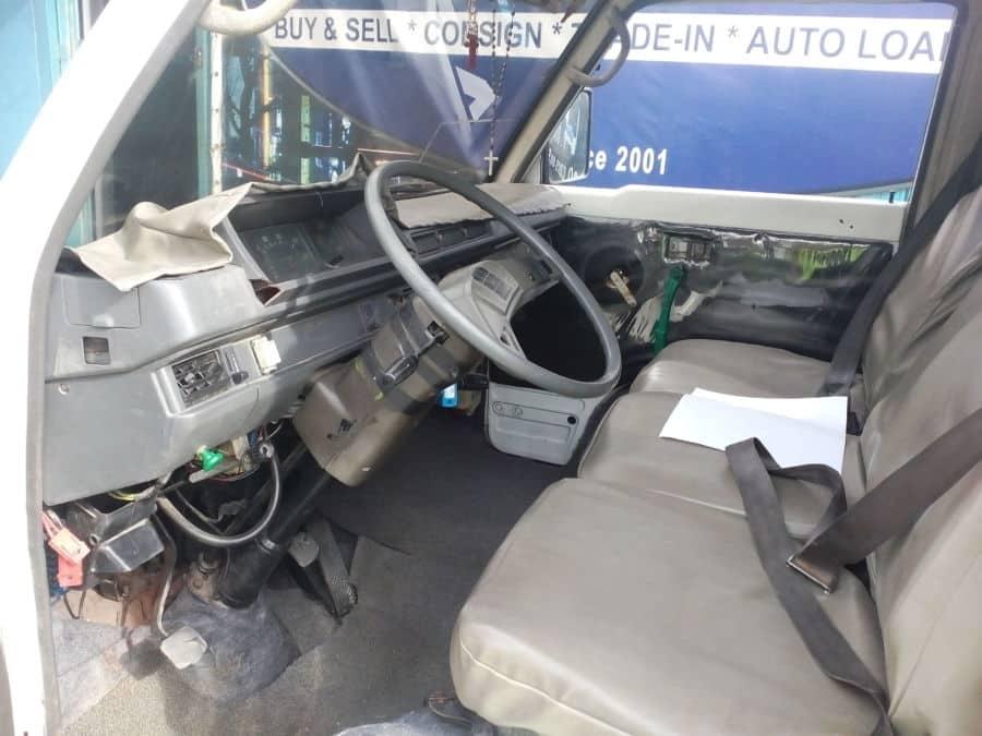 1999 Mitsubishi L300 - Interior Rear View