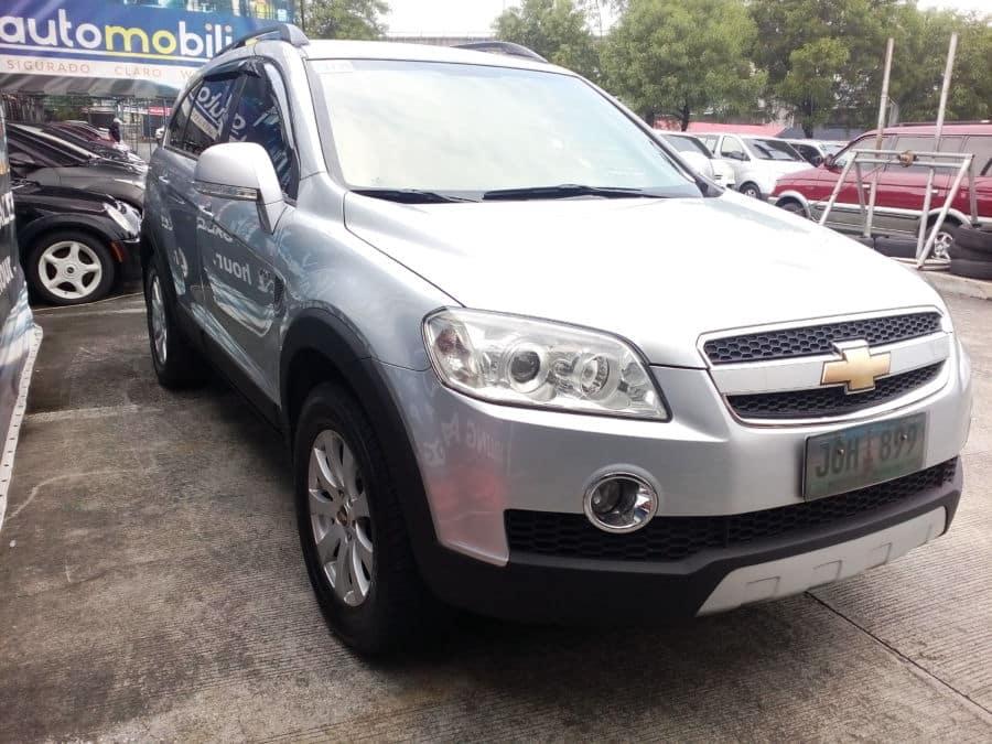 2011 Chevrolet Captiva - Right View