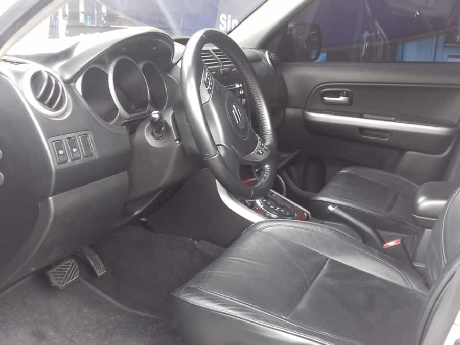 2007 Suzuki Grand Vitara - Interior Front View