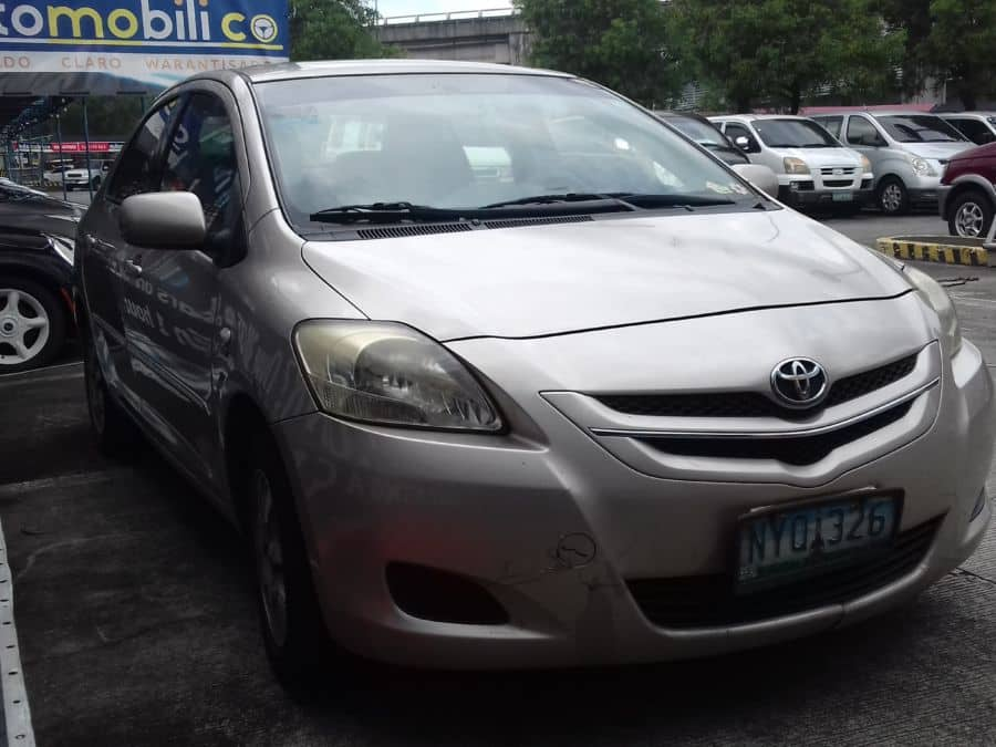 2010 Toyota Vios - Right View