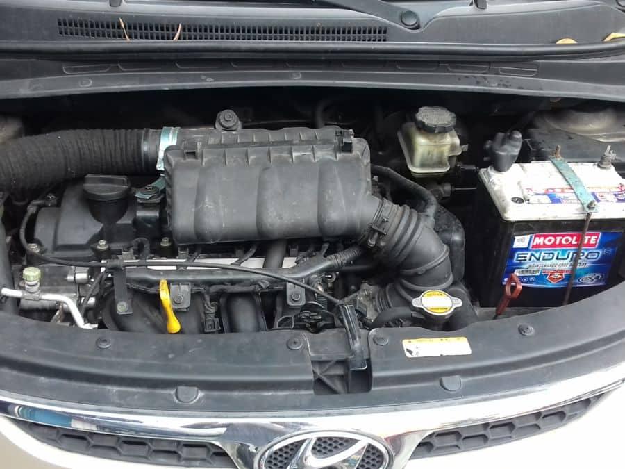2010 Hyundai i10 - Interior Rear View