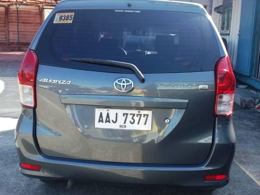 2014 Toyota Avanza - Right View