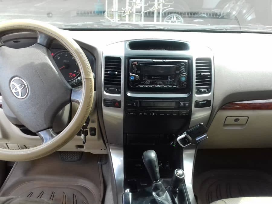 2004 Toyota Land Cruiser Prado - Interior Front View