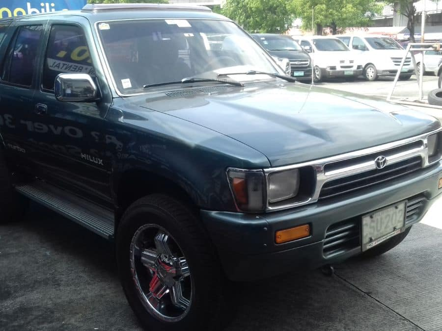 1991 Toyota Hilux - Right View