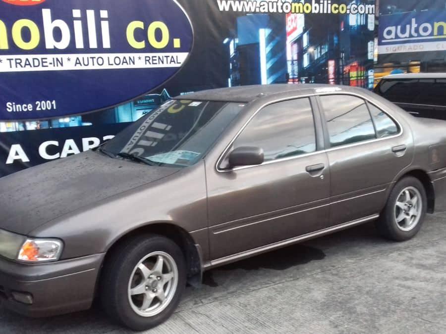 2000 Nissan Sentra - Left View