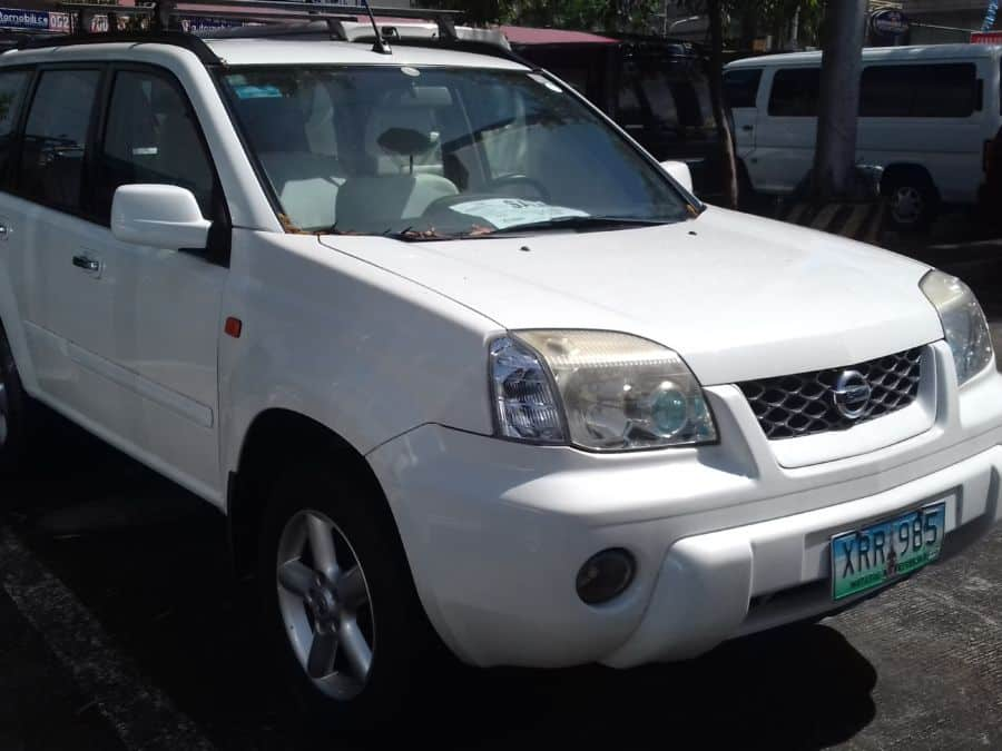 2004 Nissan X-Trail - Right View