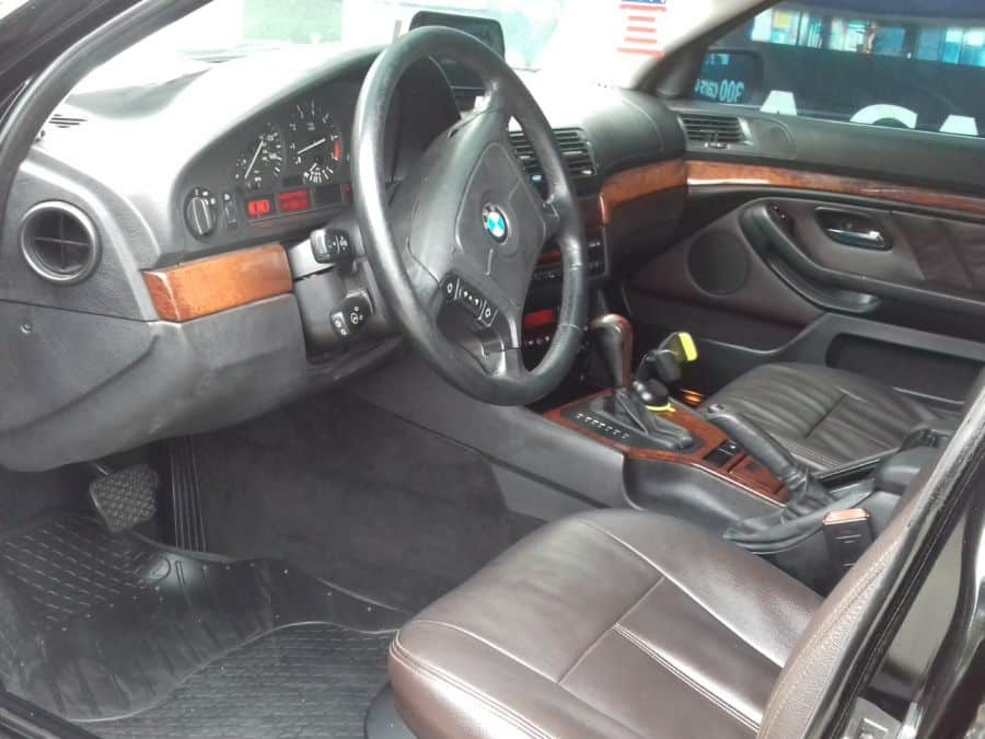 1997 BMW 528i - Interior Front View