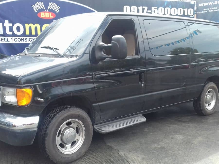 2007 Ford E150 - Left View