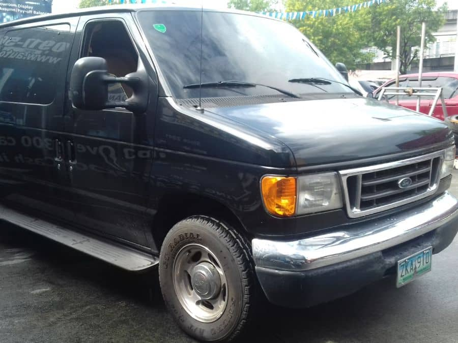 2007 Ford E150 - Right View