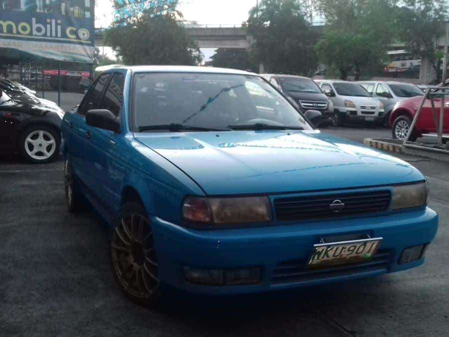 1999 Nissan Sentra - Right View