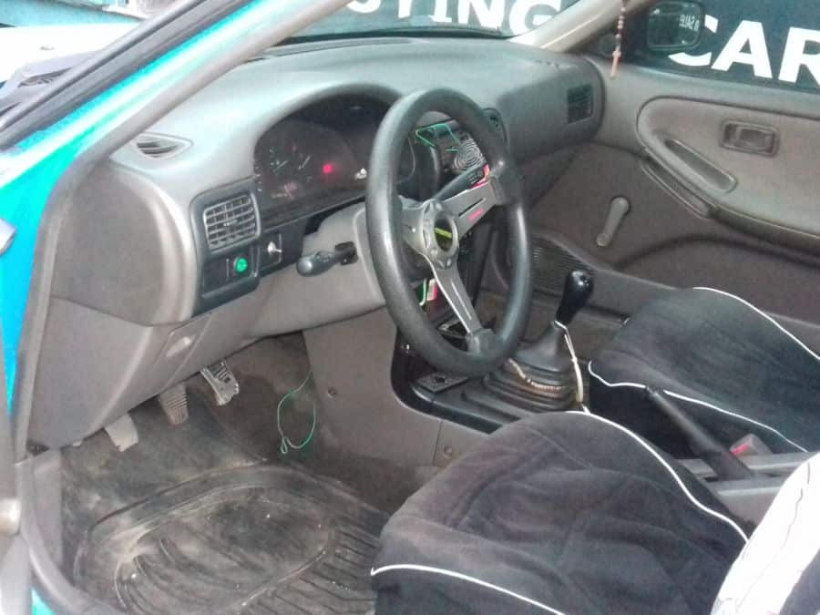1999 Nissan Sentra - Interior Front View