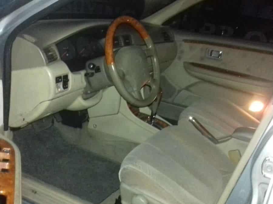 2001 Nissan Exalta - Interior Front View