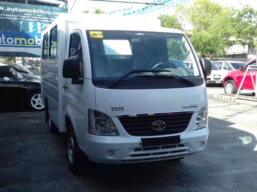 2016 Tata Super Ace - Right View