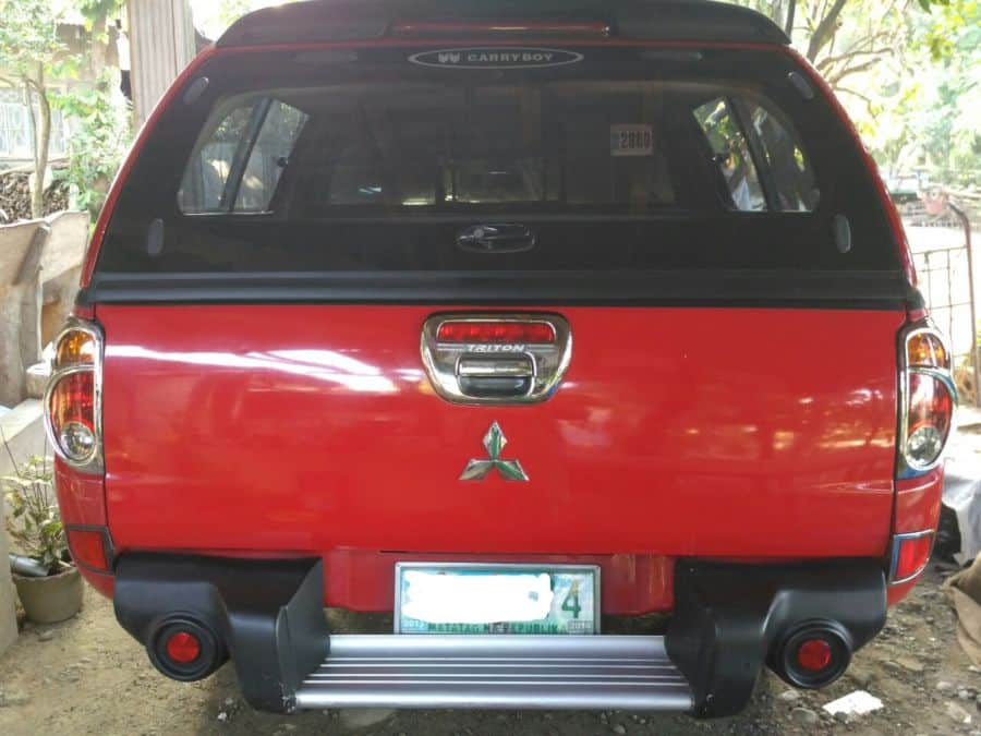 2010 Mitsubishi L200/Pick Up - Rear View