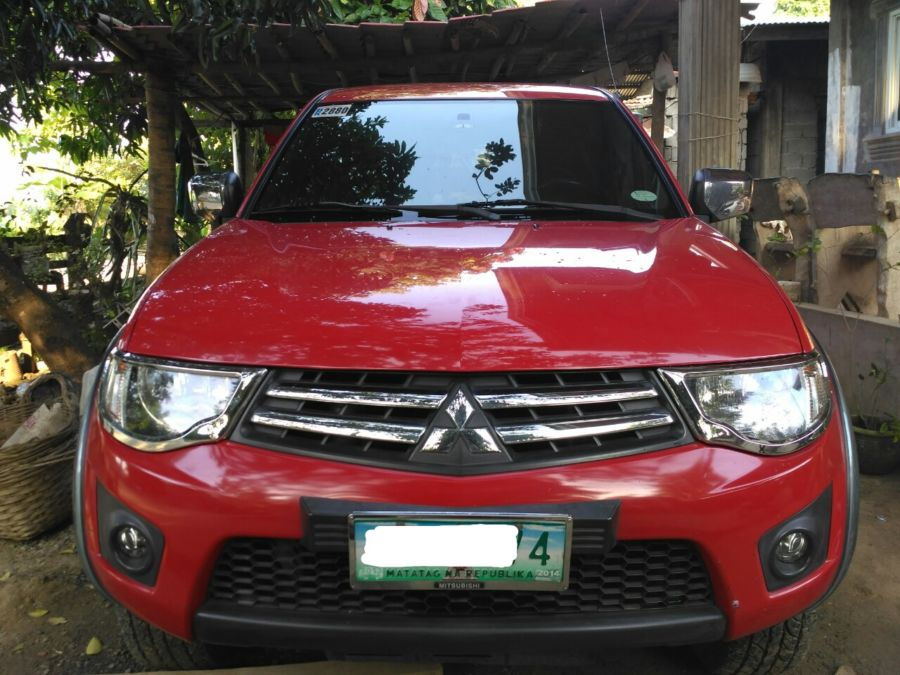 2010 Mitsubishi L200/Pick Up - Front View