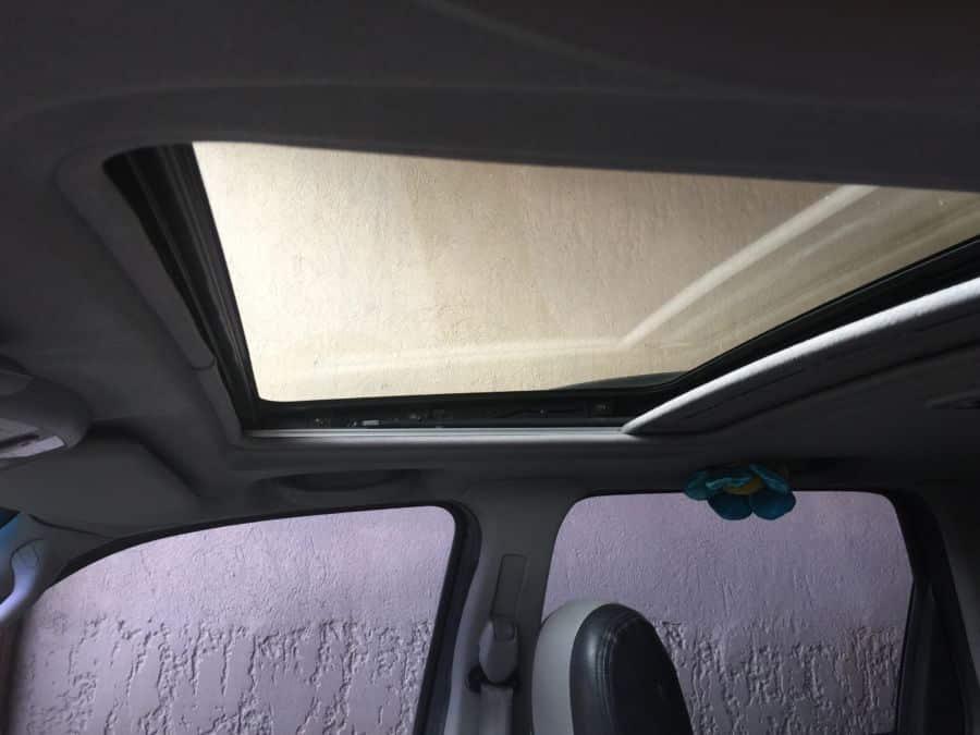 2006 Mazda Tribute - Right View