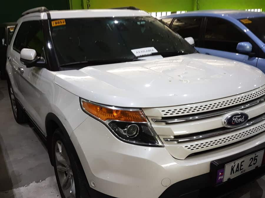2014 Ford Explorer - Interior Front View