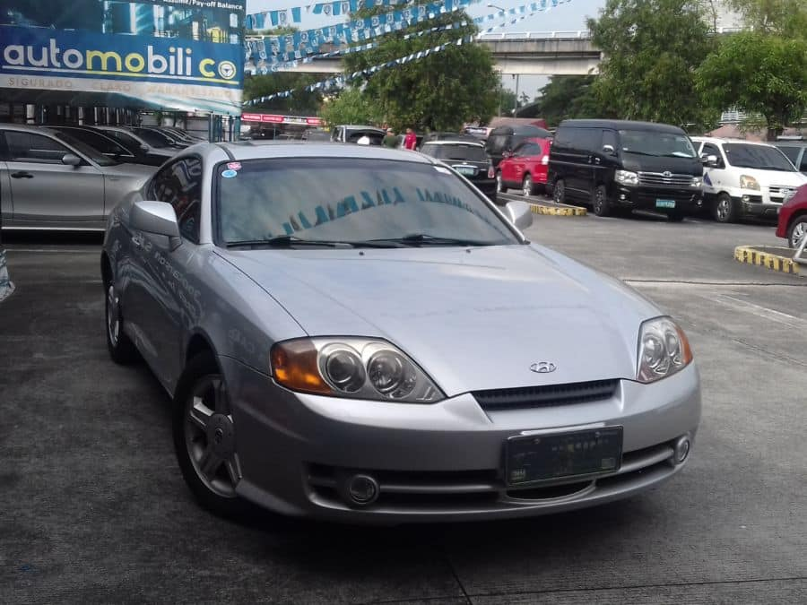 2005 Hyundai Coupe - Right View