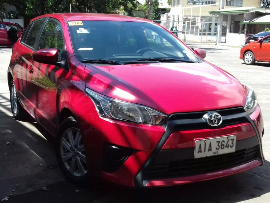2015 Toyota Yaris - Right View