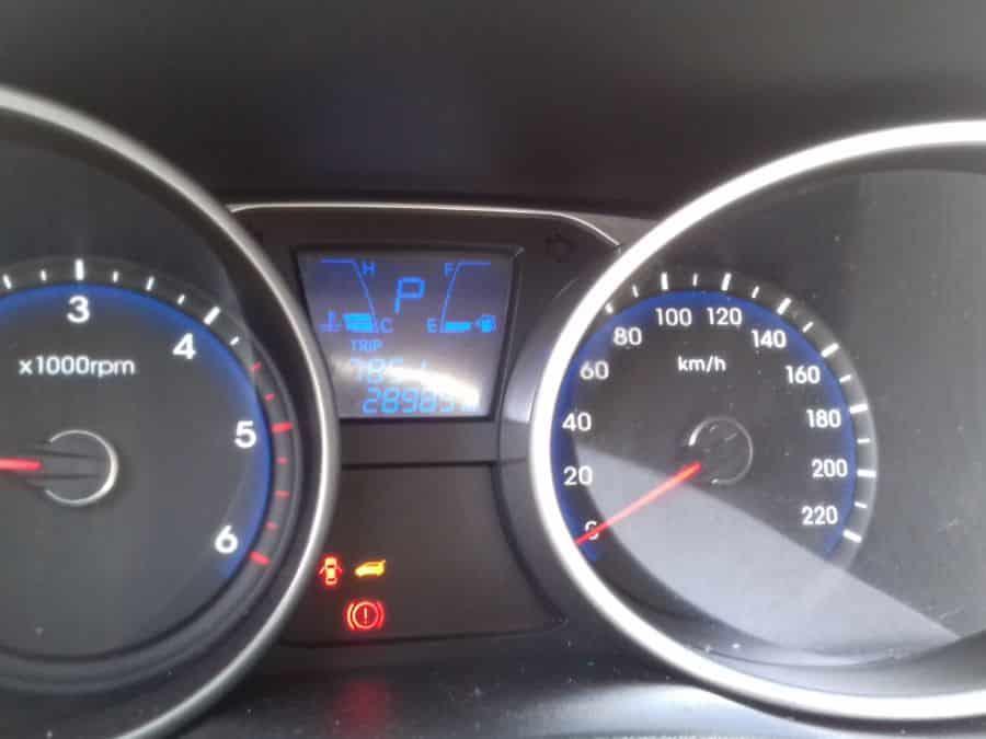 2015 Hyundai Tucson - Interior Front View