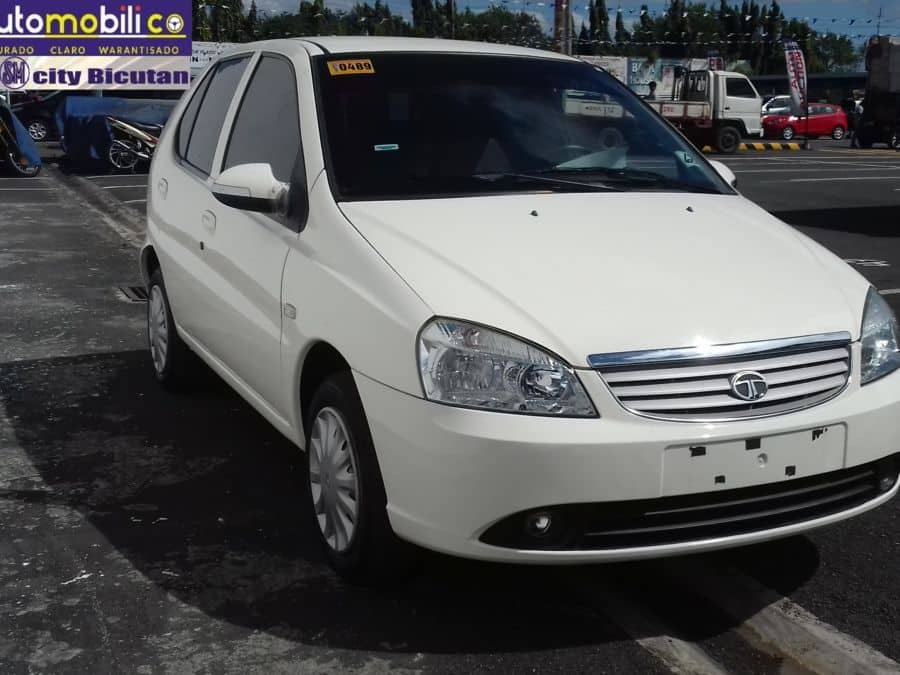 2015 Tata Indica - Right View