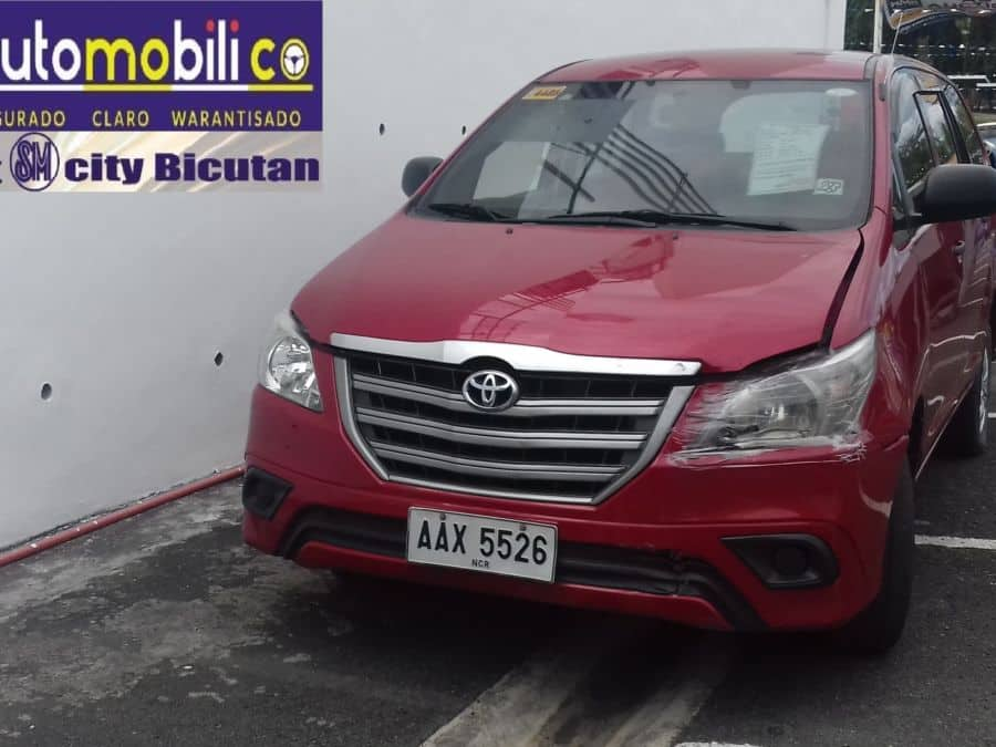 2014 Toyota Innova - Front View