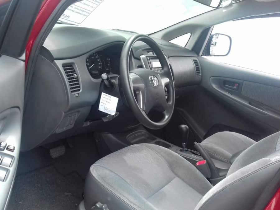 2014 Toyota Innova - Interior Front View