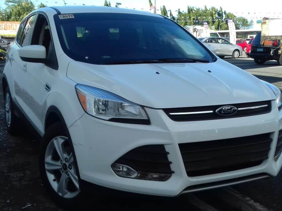 2015 Ford Escape - Right View