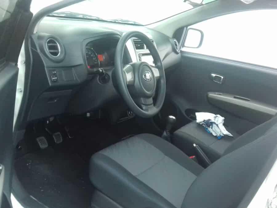 2015 Kia Picanto - Interior Front View