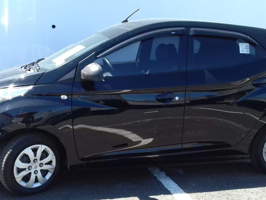 2015 Suzuki Alto - Left View