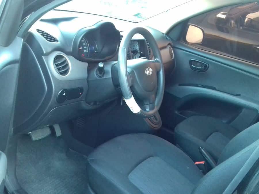 2012 Hyundai i10 - Interior Front View