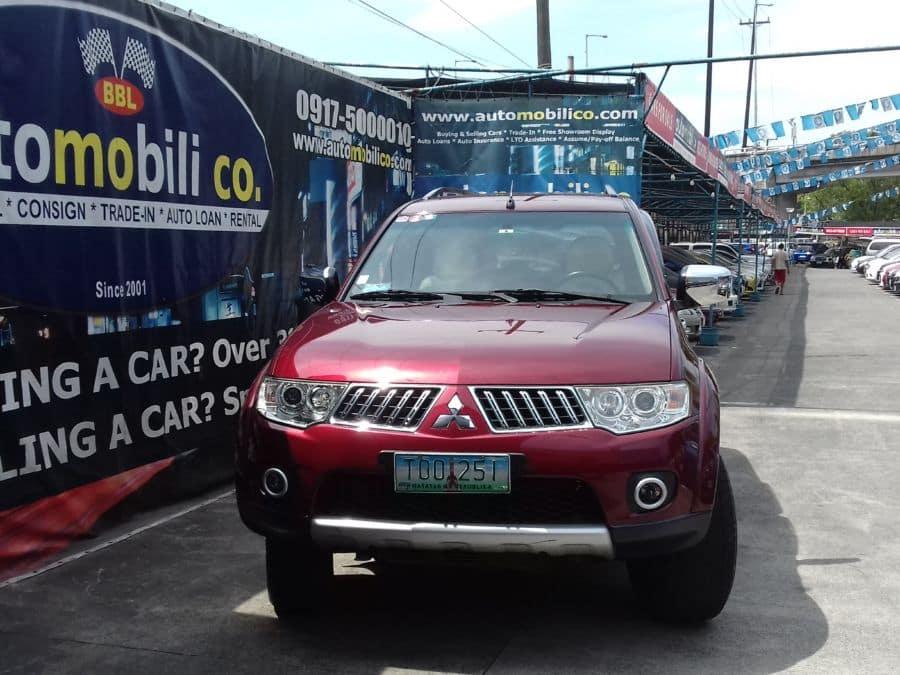 2011 Mitsubishi Montero Sport - Front View